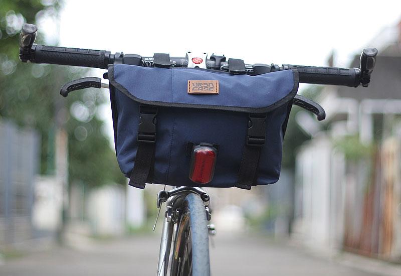 tas-sepeda-urbncase-messenger-bag30